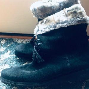 Stuart Weizmann Black Faux Fur Lace-up Boots.